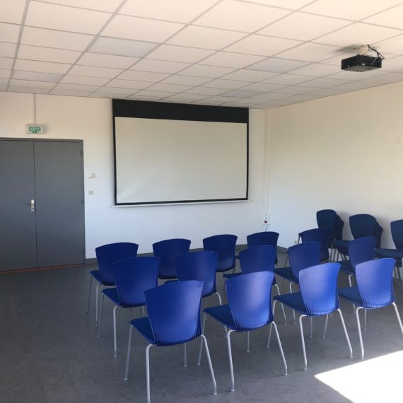 Rénovation de la salle de réunion VEOLIA à VITRE